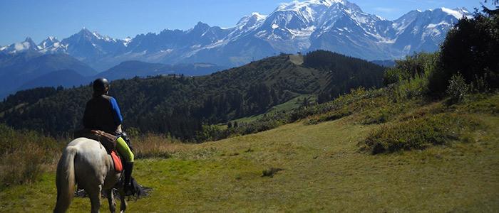 Profitez de randonnées et balades équestres autour de Saint-Sorlin-de-Morestel