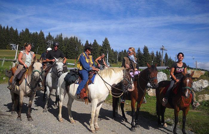 Apprenez à monter à cheval dans votre centre équestre
