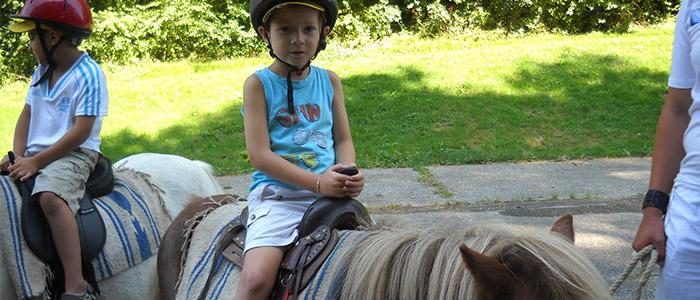 Cours d'équitation pour enfants à Saint-Sorlin-de-Morestel